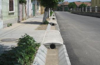 Rigole din beton compact pentru trafic auto